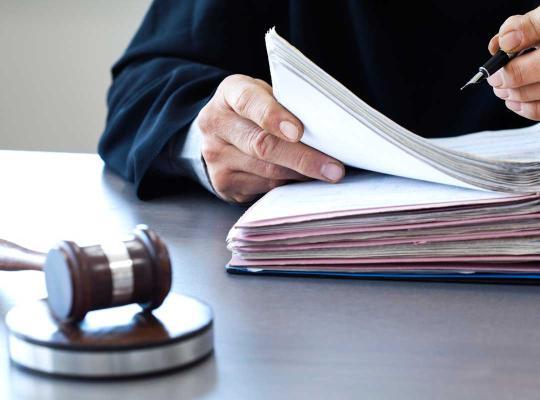 Rechter aan het werk